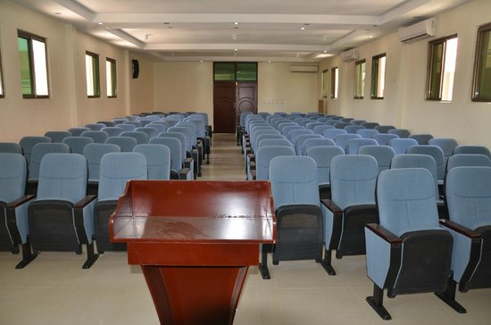 Golden Crown Hotel : conference Hall