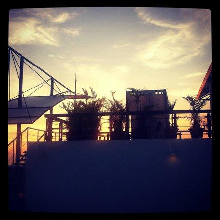 Gaia Hotel & Reserve: Sunset