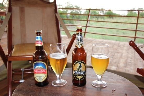 Serengeti Bushtops Camp: thirsty work being on safari