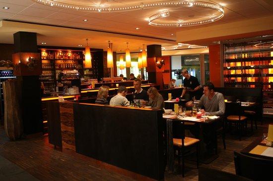 the 10 best restaurants near ono by steffen henssler hamburg. Black Bedroom Furniture Sets. Home Design Ideas