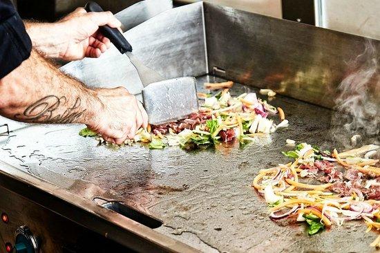 Mongo's Restaurant Köln: Ein Blick auf die Kochstelle