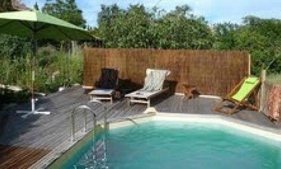 Alternatives Aux Abriols : La piscine et son calme ambient