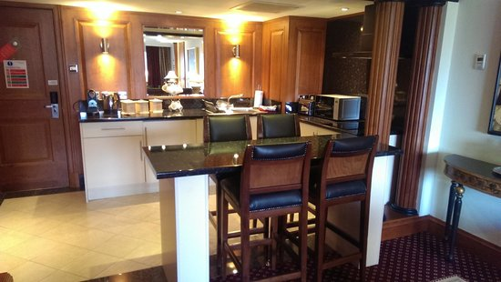 The Glasgow City Hotel: kitchen area