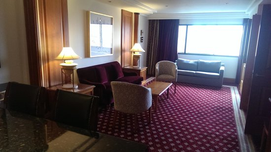 The Glasgow City Hotel: living area
