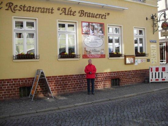 Alte Brauerei: vor den Hotel