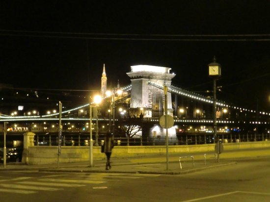 InterContinental Budapest: view outside hotel
