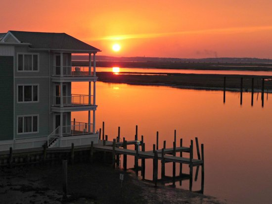 Fairfield Inn & Suites Chincoteague Island: Sunset from the balcony