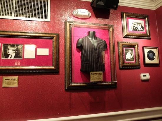 Hard Rock Cafe: Rock....