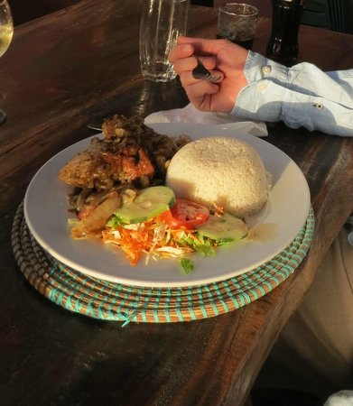 Nemasu Eco-lodge: Chicken Yassa