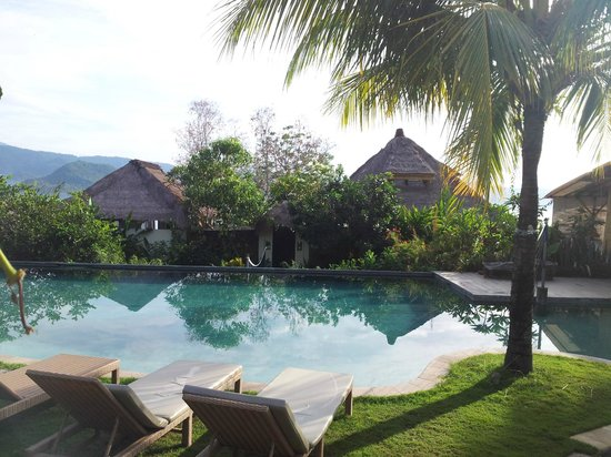 Bloo Lagoon Village: Our villa by the pool