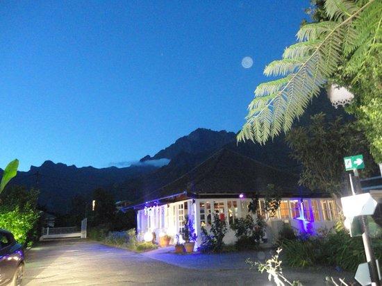Le Vieux Cep: Hôtel by night