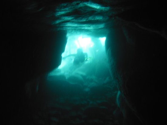 St.Thomas Scuba and Snorkel Adventures: underwater cave, hull bay