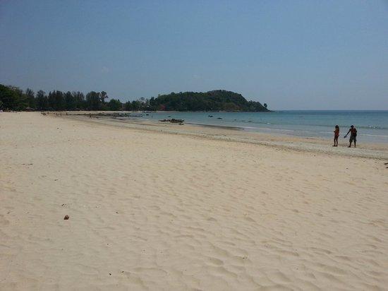 Lanta Mermaid Boutique House : View of the Klong Dao Beach