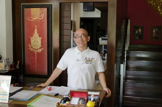 Lanta Mermaid Boutique House : Mr. Chai smiling as always