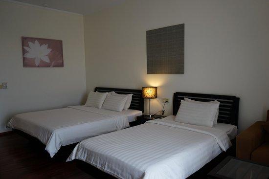 Lotus Blanc Resort : beds