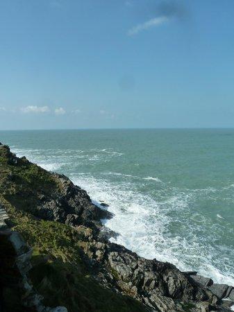 Lewinnick Lodge: View overlooking the ocean
