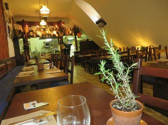 Aranysarkany Vendeglo : A lovely, simple restaurant