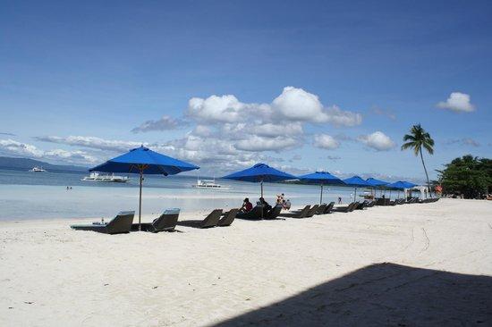 The Bellevue Resort Bohol: Beach