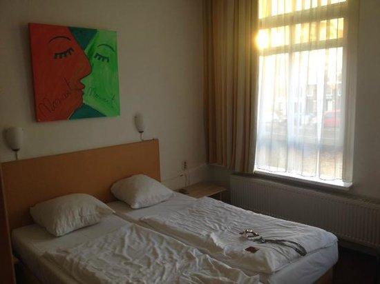 Mozart Hotel : First floor triple room (No.102)