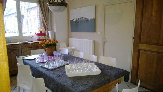 Domaine des Célestins : salle à manger gite 15 pers