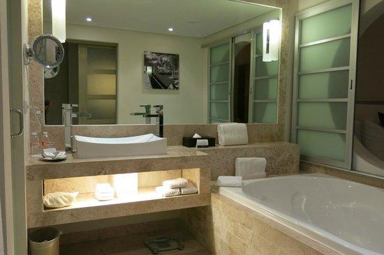 Paradisus Playa Del Carmen La Esmeralda: Супер-удобная ванная!