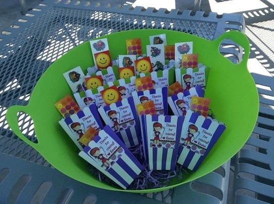 Lighthouse Cove Adventure Golf: Party Favors