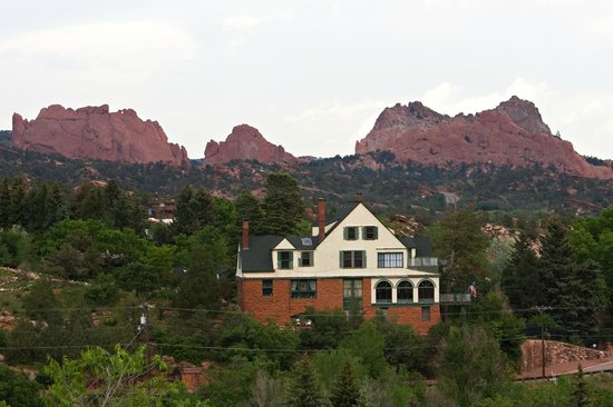 Red Crags Estates : Garden of the Gods as a back drop to Red Crags
