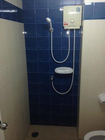 Rambuttri Village Inn & Plaza : banheiro