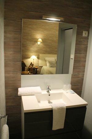 Hotel Riviere : sdb