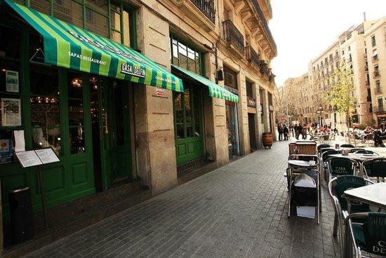 Casa Delfin : The terrace on the Passeig del Born