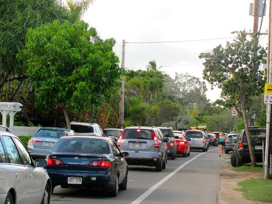 Lanikai Beach: Gridlock on streets and beach