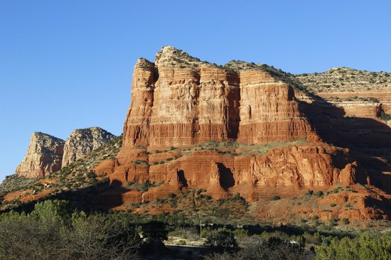 Cozy Cactus Bed and Breakfast: Courthouse Butte from Vortex Vista balcony