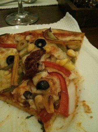 Spaghetti Kitchen : Veg pizza
