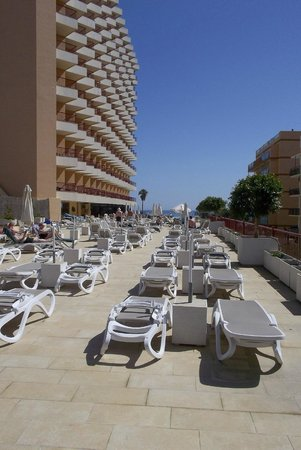 Angela Hotel: The pool area