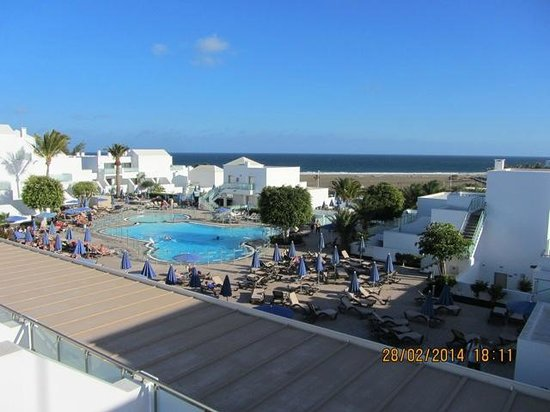 Hotel Lanzarote Village: lovely room viedws of pool and beach