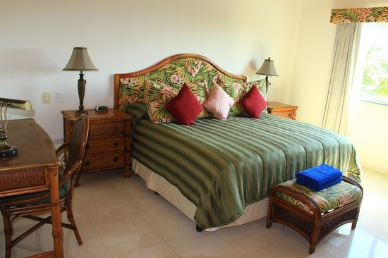 Aventuras Club Lagoon: King sice bed in the Master Bedroom