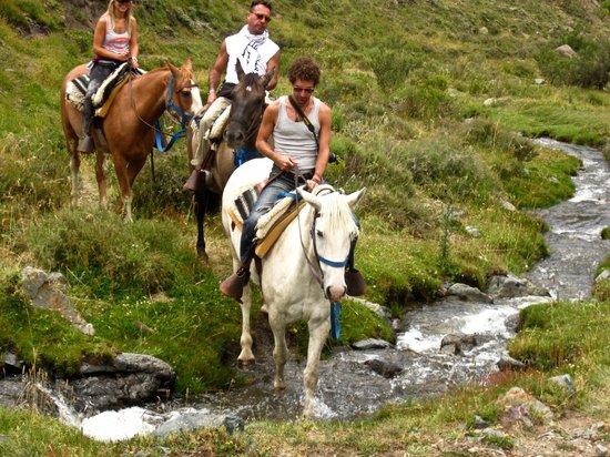 Mendoza Andes: crossing rivers hahahah