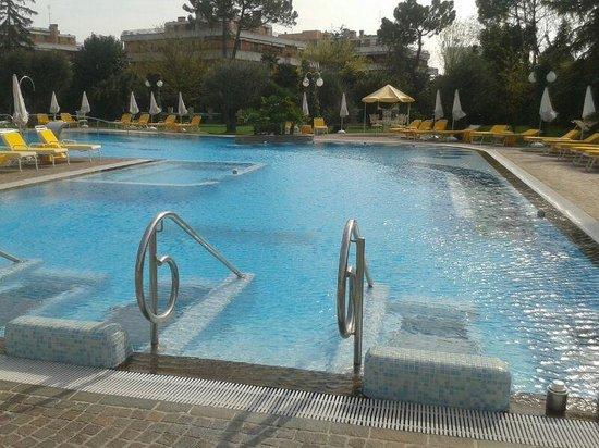 Hotel Terme Tritone Thermae & Spa : piscina calda esterna