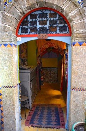Caravane Cafe: Entrance