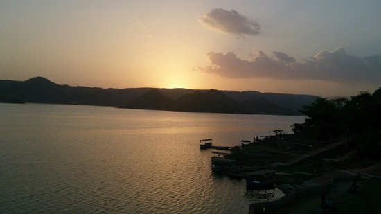 Jaisamand Island Resort : Sunset
