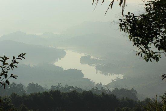 Club Mahindra Munnar: lake view from the room