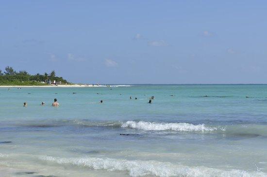 Paradisus Playa del Carmen La Perla: Praia do Hotel
