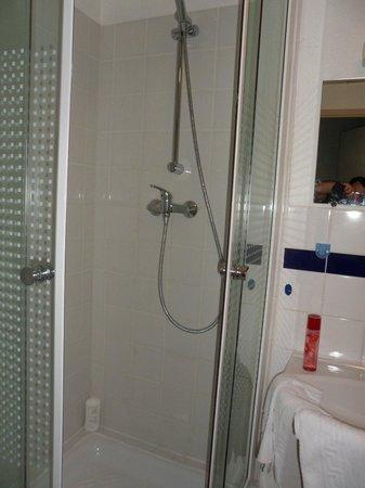 Appart'City Compiegne : douche