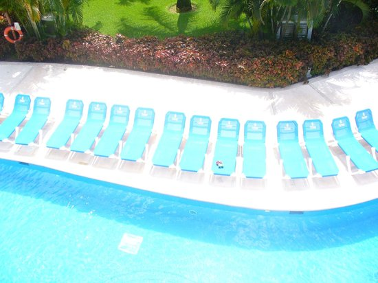 Grand Riviera Princess All Suites Resort & Spa: These chairs by the swim outs were never used.