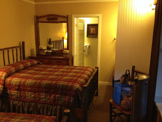 Half Dome Village: Stoneman's corner room