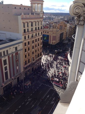 Hotel Atlantico: View from roof to Gran Via