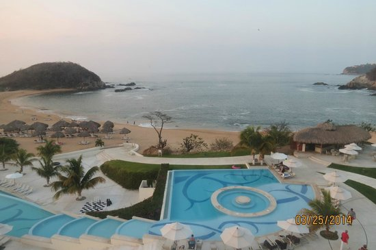 Secrets Huatulco Resort & Spa: view from our hotel room