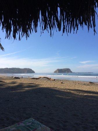 Fenix Hotel - On The Beach: The southern end of Playa Samara