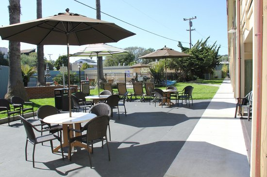 Rio Sands Hotel: BBQ/Patio Dining Area