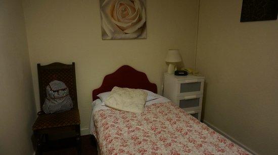 The Lambton Hounds Inn: single room (6)
